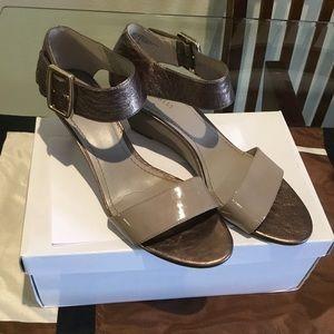 🛍Nine West sandals pewter color size 9